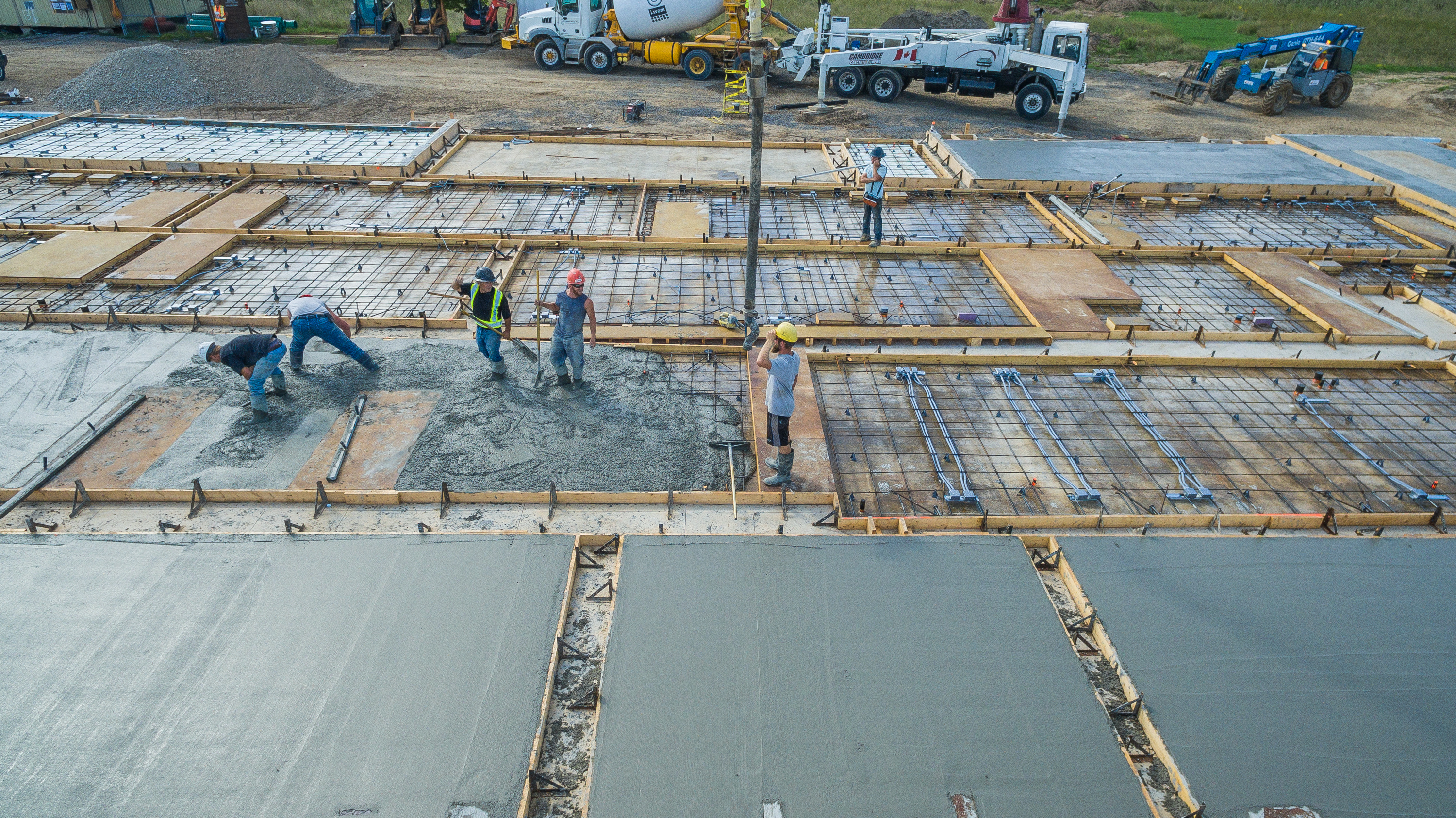 Pouring Concrete Tilt-Up Panels & Adding Insulation